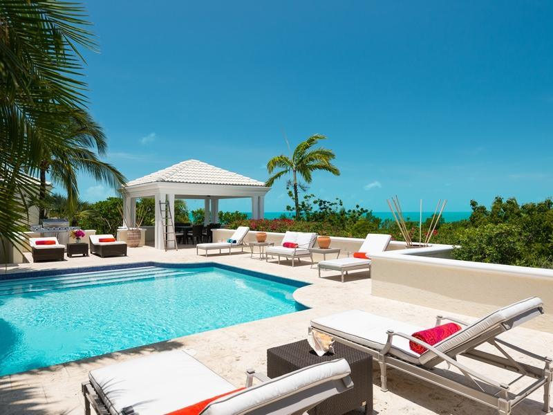 Additional photo for property listing at Villa Alizee Beachfront Chalk Sound, Providenciales TCI BWI Turks And Caicos Islands