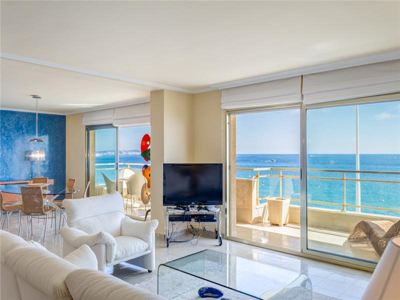公寓 为 销售 在 Large apartment in front of the sea Platja D Aro, Costa Brava 17250 西班牙