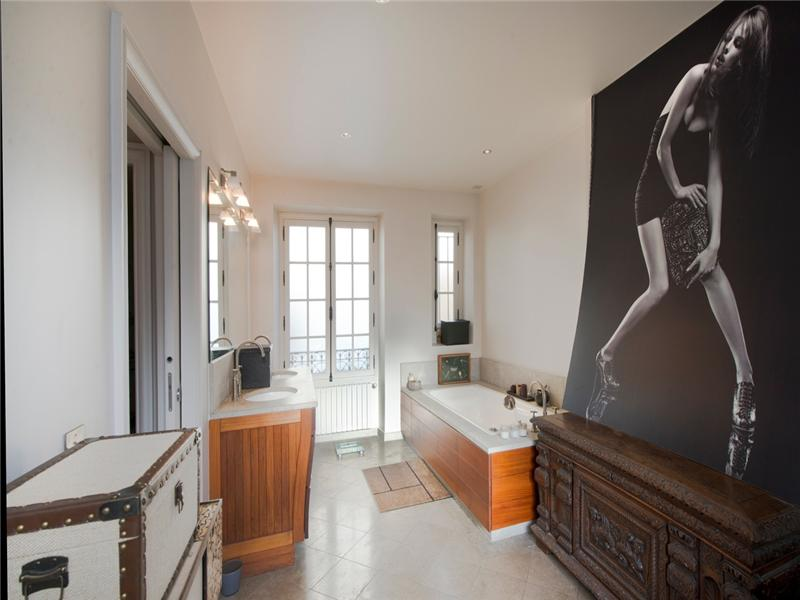 Property Of Townhouse - Pompe