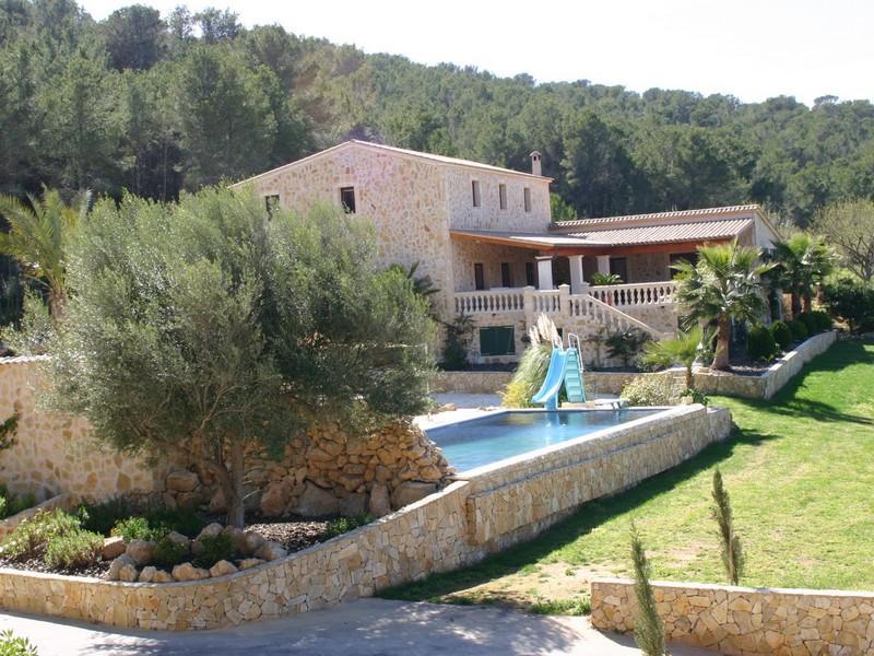 Property Of Ausgezeichnete Villa im Fincastil