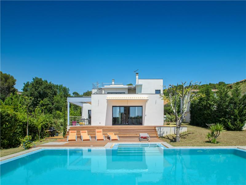 Autre résidentiel pour l Vente à Superb Newly Contemporary villa Mougins, Provence-Alpes-Cote D'Azur 06250 France