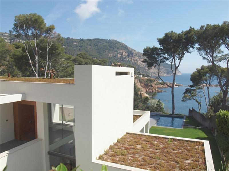 단독 가정 주택 용 매매 에 Modern sea front villa for sale in Aiguablava Begur, Costa Brava 17255 스페인
