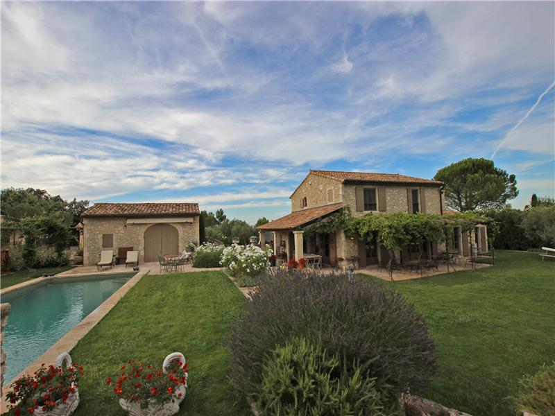 Charming House In Eygalieres-Provence