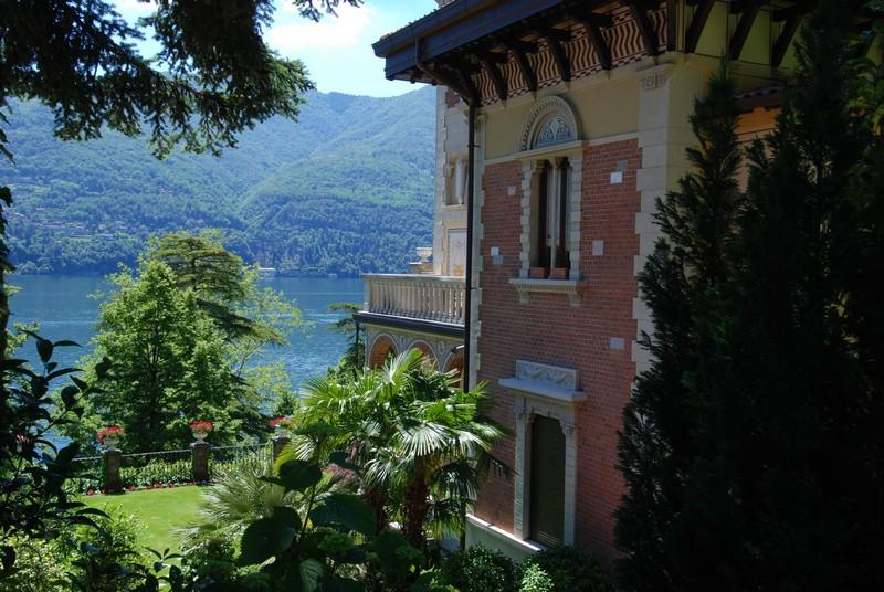 Additional photo for property listing at Attico con torretta panoramica Laglio Laglio, Como 22010 Italia