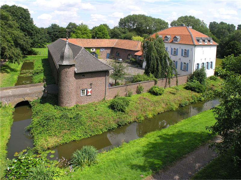 sales property at Water Castle near Düsseldorf