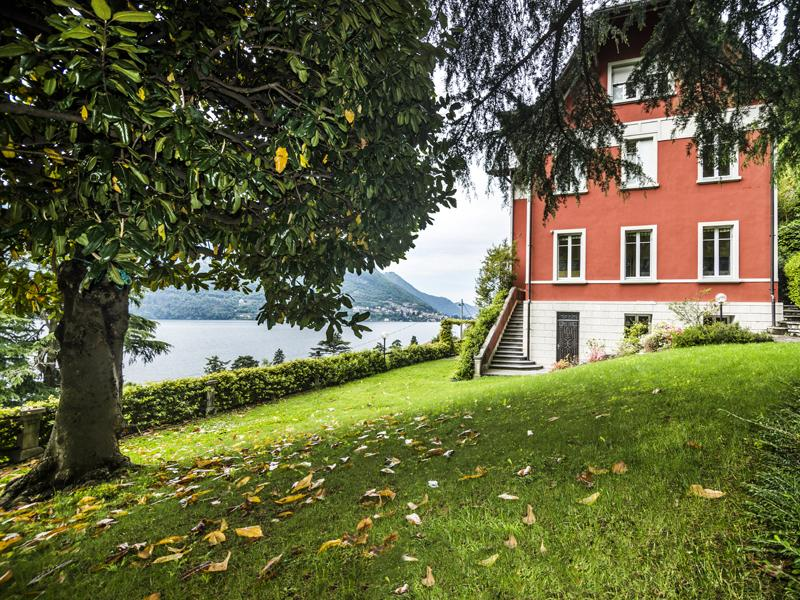Single Family Home for Sale at Elegant charming villa on Lake Como via Regina Nuova Laglio, Como 22010 Italy