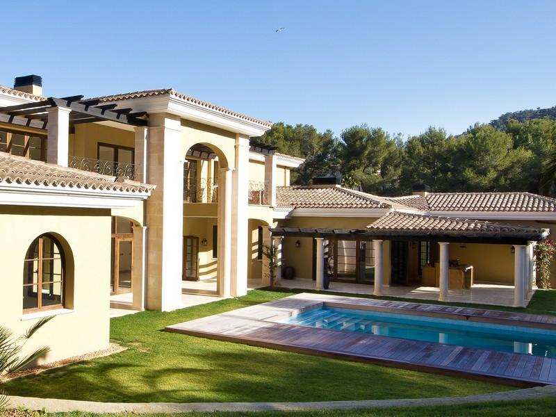 Property Of Impressive Villa On Large Plot in Santa Ponsa Golf