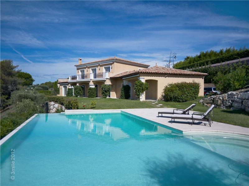 独户住宅 为 销售 在 SOLE AGENT - Luxury Villa with Panoramic Views Mougins, 普罗旺斯阿尔卑斯蓝色海岸 06250 法国
