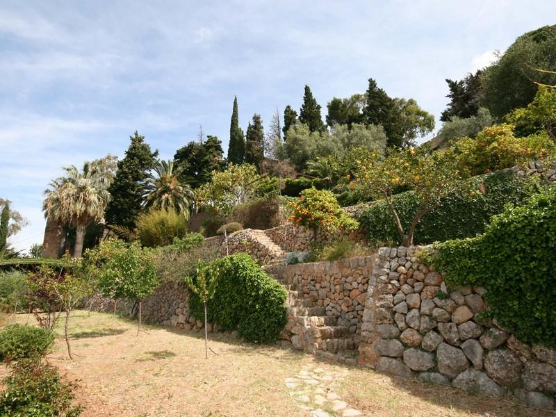 Property Of Villa With Lovely Sea Views in Deia