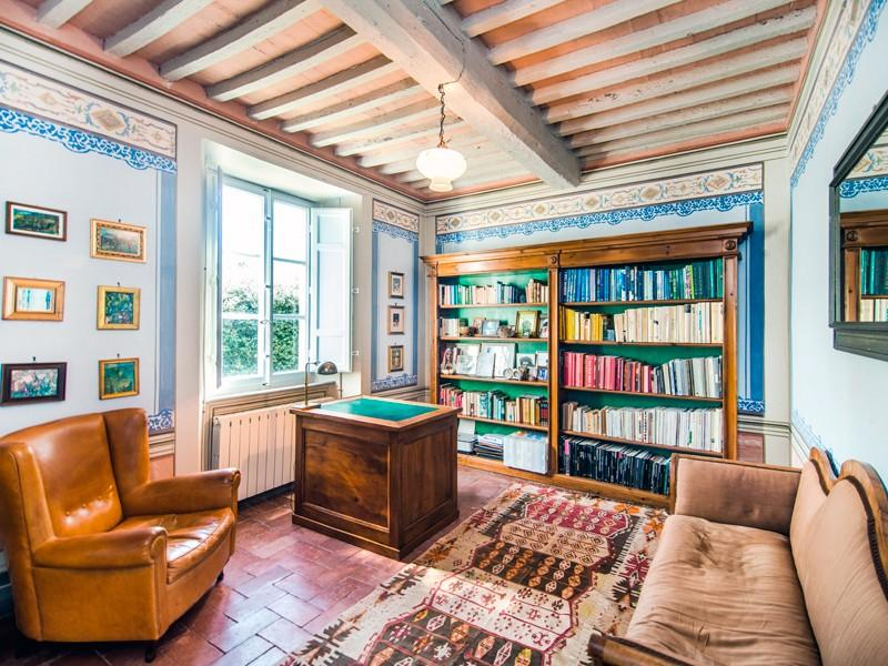 Additional photo for property listing at 17th Century villa with landscaped garden Via Fondi Camaiore, Lucca 55041 Italy