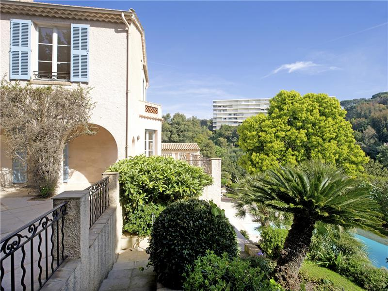 Multi-Family Home for Sale at OLD MANOR – SEA VIEW Cannes, Provence-Alpes-Cote D'Azur 06400 France