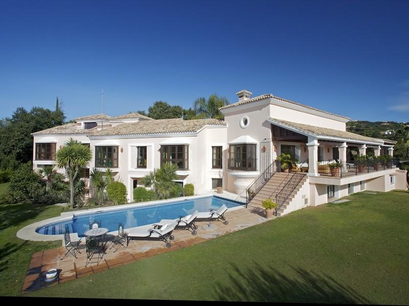 独户住宅 为 销售 在 Great family villa with stunning views in La Zagal La Zagaleta Benahavis, Costa Del Sol 29600 西班牙