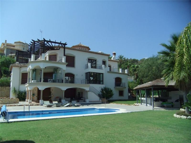 Single Family Home for Sale at Magnificent villa with contemporary interiors Benahavis, Costa Del Sol, 29679 Spain