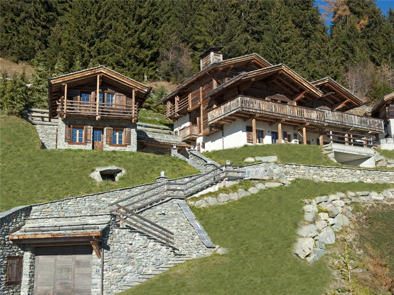Single Family Home for Sale at Elegant chalet with old timber mazot and clear vie Verbier, Valais 1936 Switzerland