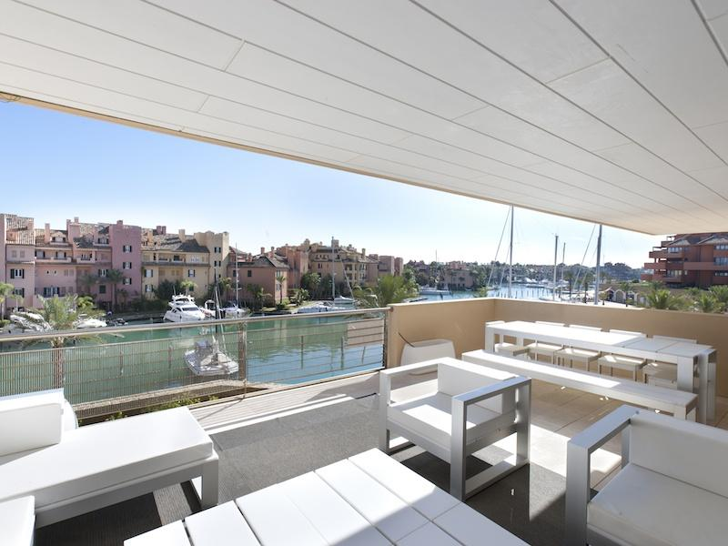 Appartamento per Vendita alle ore Great southeast facing second floor apartment Sotogrande, Costa Del Sol, 11310 Spagna