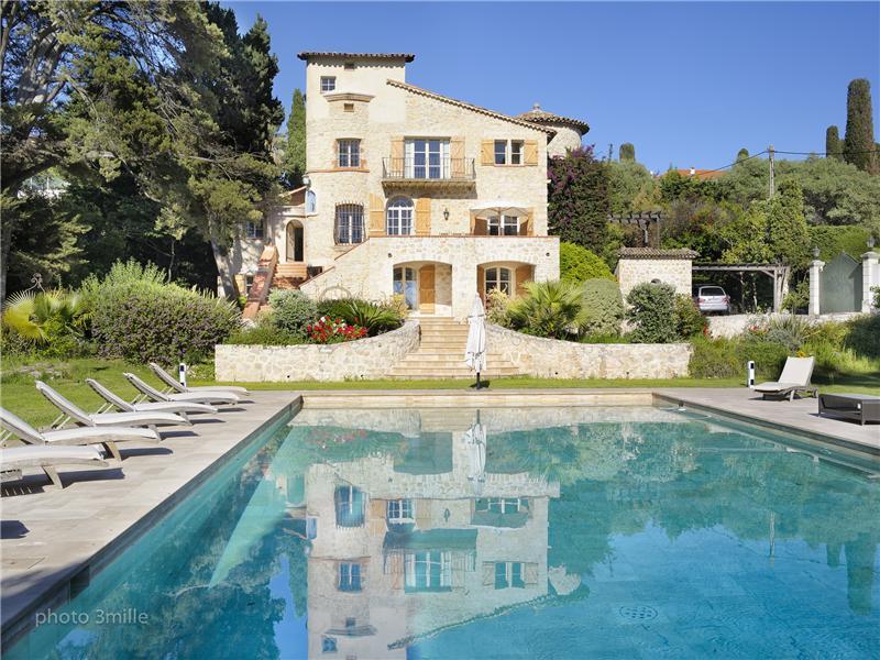 Property Of Bastide en pierre de taille à vendre
