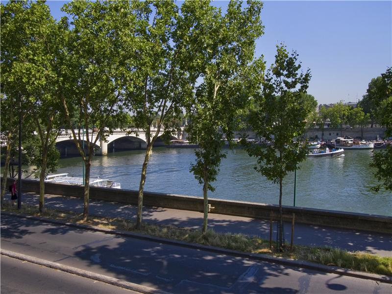Property Of Paris 7 - Quai Anatole France