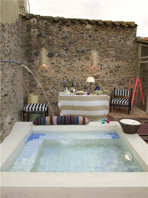 Townhouse for Sale at Beautifully reformed townhouse Baix Emporda, Costa Brava 17131 Spain