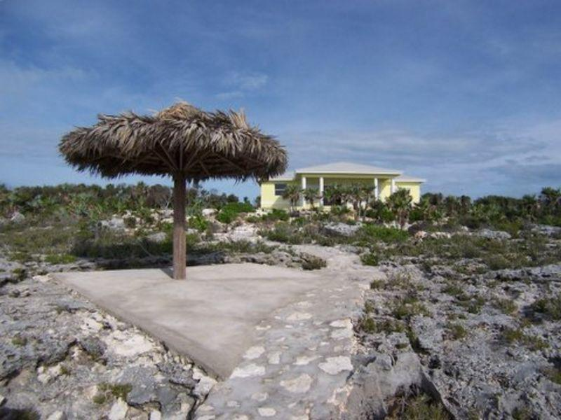 Maison unifamiliale pour l Vente à Beautiful waterfront home Current Current, Eleuthera 0 Bahamas