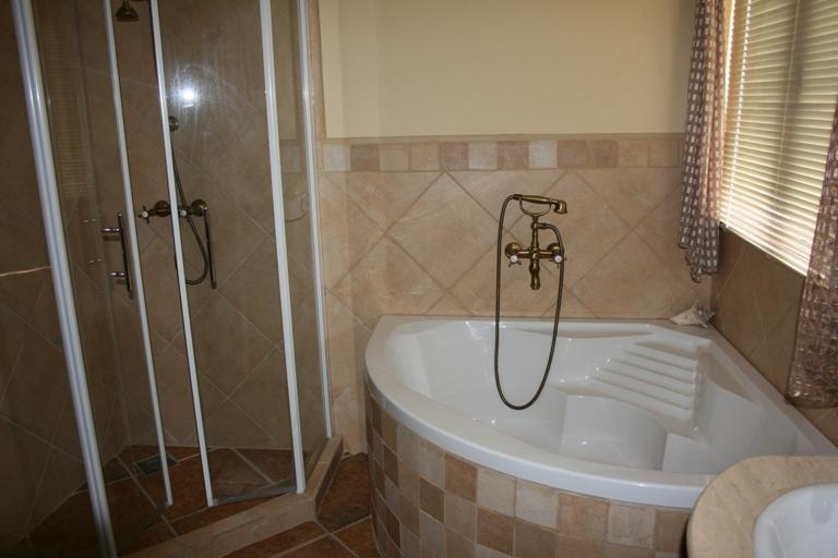 Additional photo for property listing at Beautiful Cozy Villa Malmok, Aruba Aruba