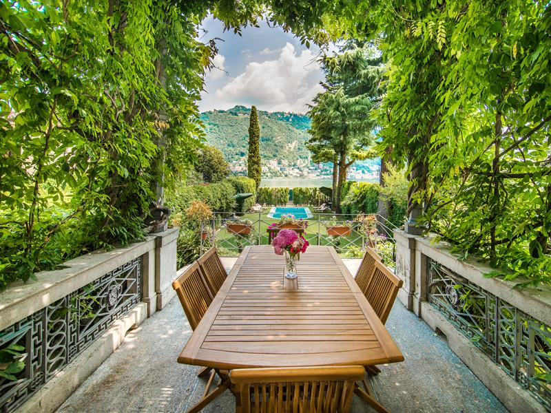 Property Of Stunning property alongside Lake Como