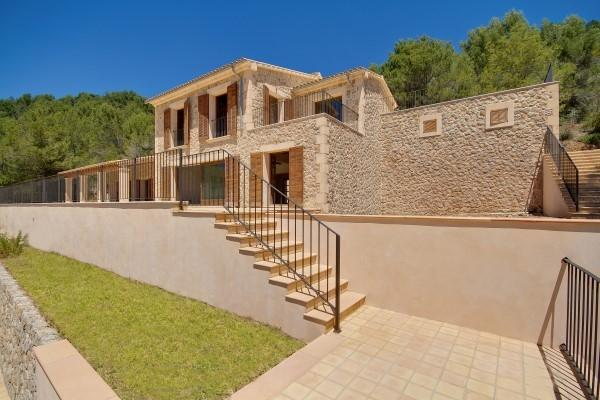 Casa Unifamiliar por un Venta en Newly built Villa with views in Andratx Andratx, Mallorca, 07150 España
