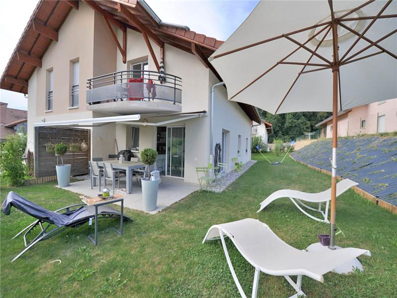 Townhouse for Sale at Lovely townhouse Other Rhone-Alpes, Rhone-Alpes 74310 France