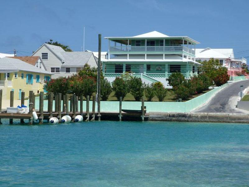 Vivienda unifamiliar por un Venta en Harbour View - Great Harbour Views & Private Dock Spanish Wells, Eleuthera Bahamas