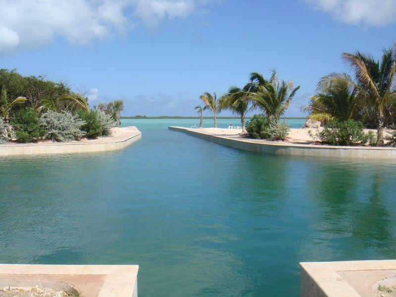 Additional photo for property listing at Beach House Foster Hill Georgetown, Exuma Bahamas
