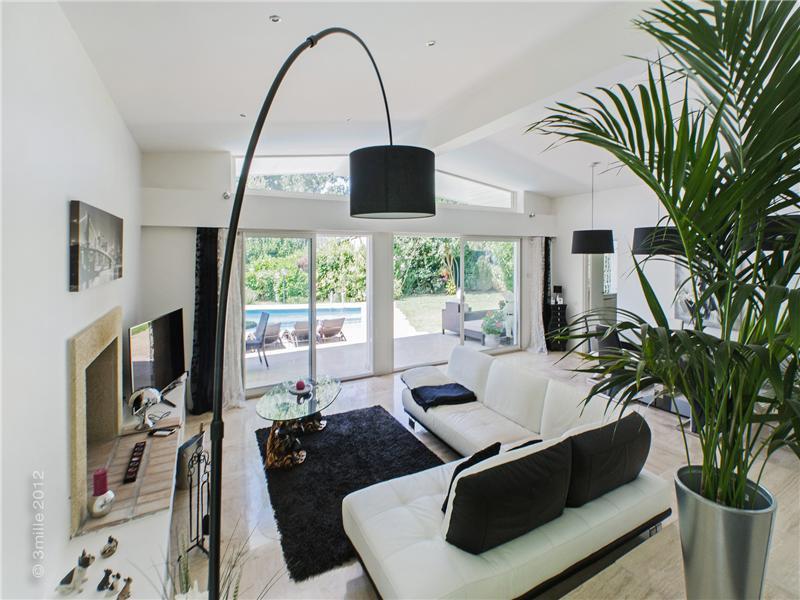 Property Of Private Estate - Beautiful Contemporary villa