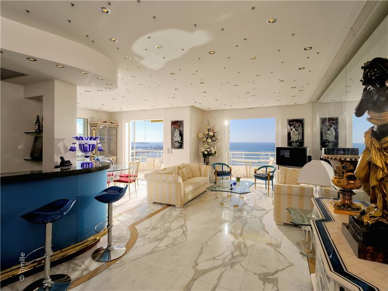 Property Of Cannes Croisette, magnificent apartment