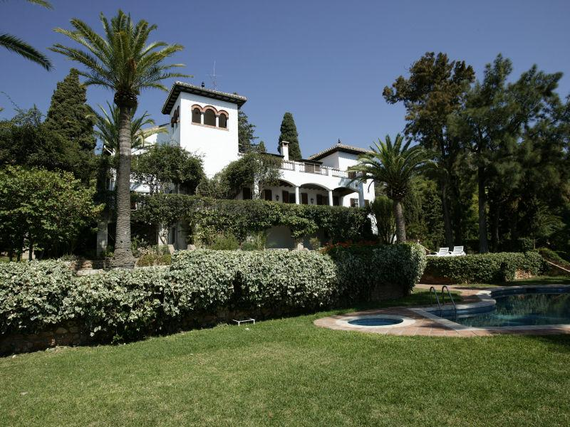 Vivienda unifamiliar por un Venta en Previously Royal 15th Century Historical Estate Malaga, Costa Del Sol, 29018 España