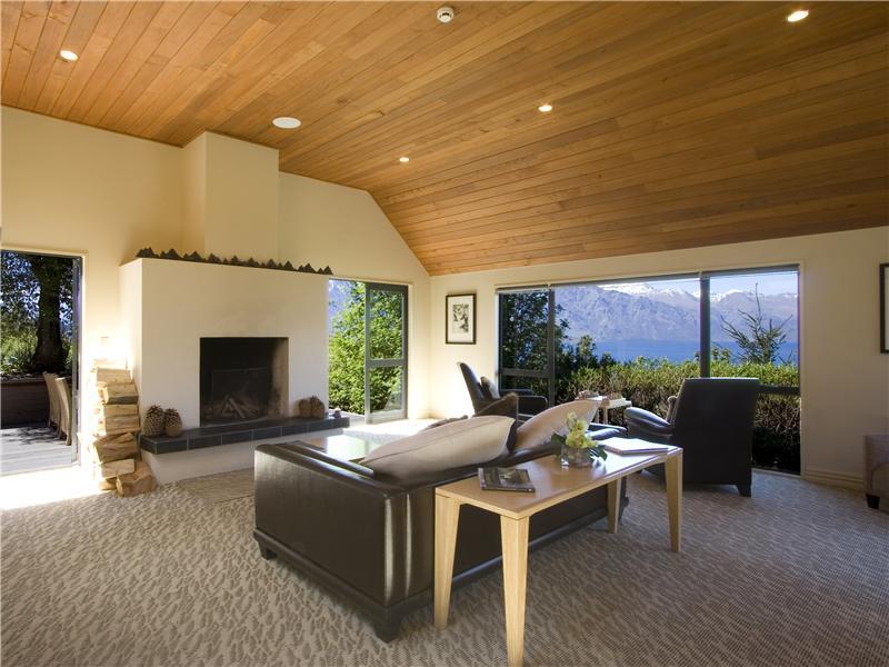 Property Of Azur Lodge, Mackinnon Terrace, Queenstown