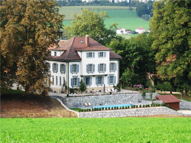 Single Family Home for Sale at Magnifique château dans un havre de paix Other Fribourg, Fribourg 1725 Switzerland