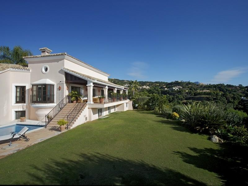 Property Of Great family villa with stunning views in La Zagal
