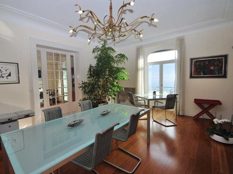 Property Of Luxury 6.5 rooms penthouse with stunning 300 m2 te