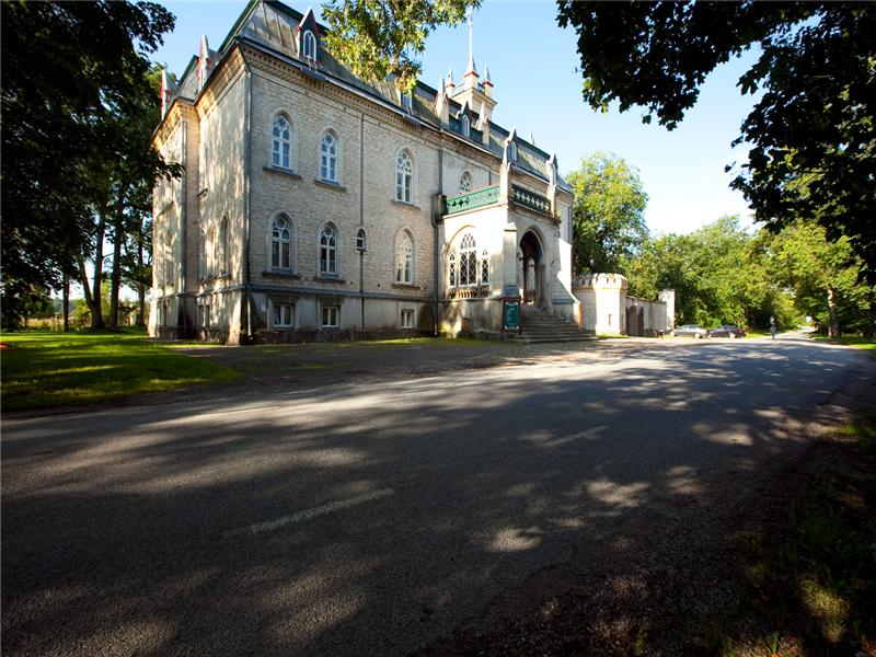 sales property at Laitse Castle