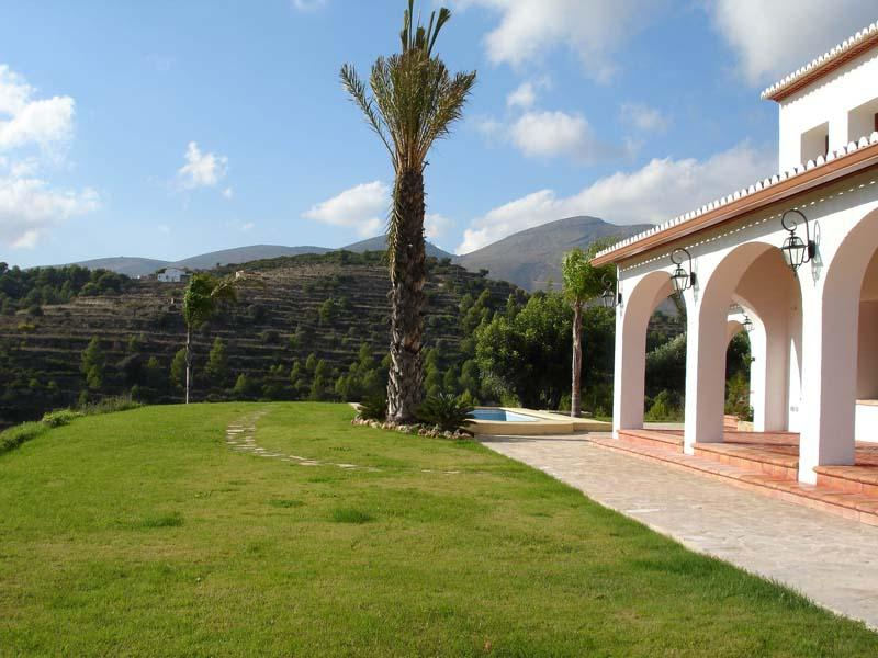 Maison avec plusieurs logements pour l Vente à Superb new built finca Moraira, Alicante Costa Blanca 03590 Espagne