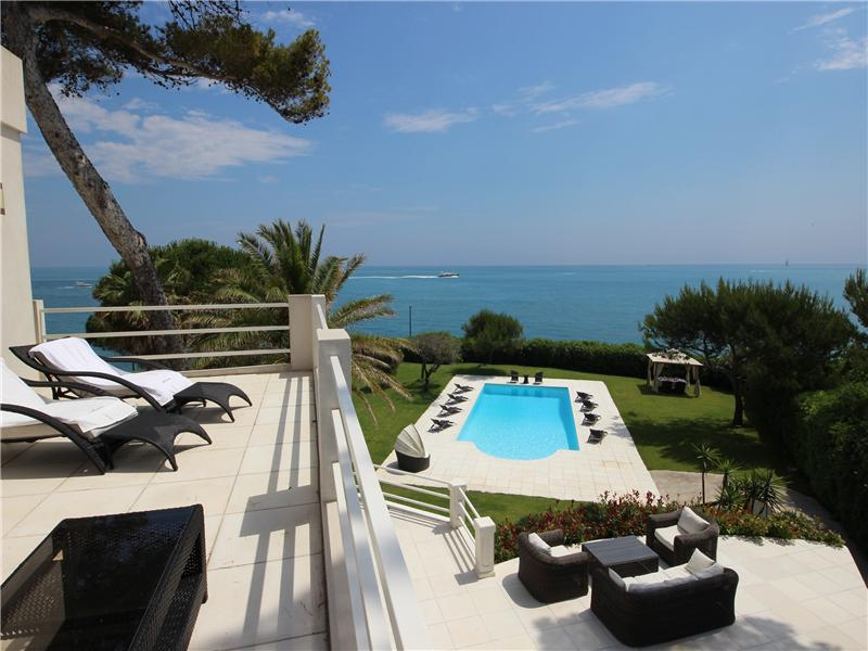 Property Of Luxury Contemporary Villa with Panoramic Sea Views