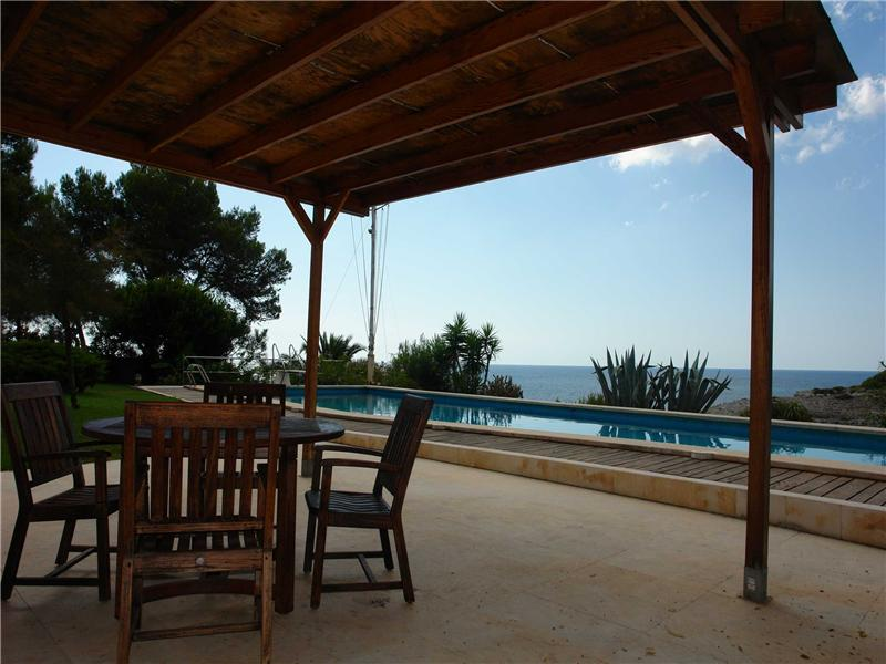 Property Of First sea line villa in Porto Cristo