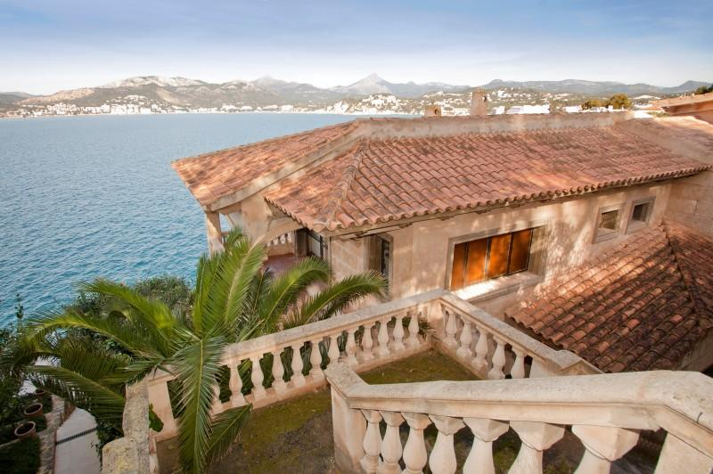 Property Of Seafront Villa with sea access in Santa Ponsa
