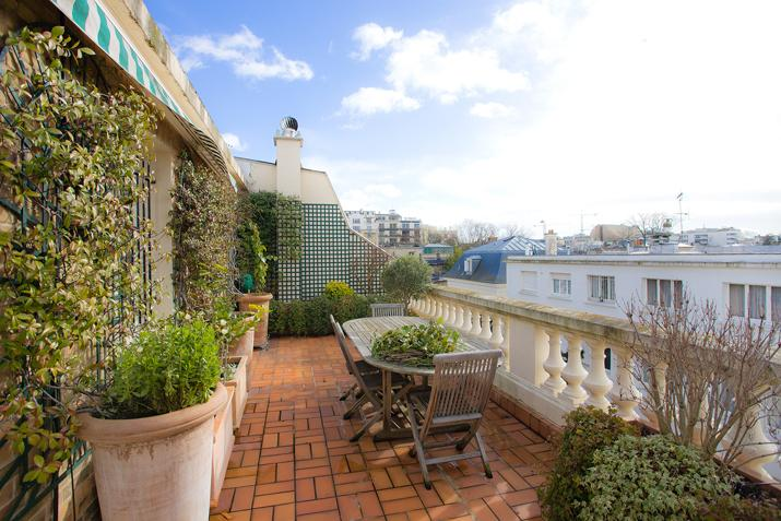Other Residential for Sale at Private Mansion - Saint-James Neuilly, Ile-De-France 92200 France