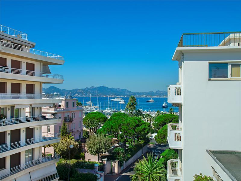 Apartamento por un Venta en Luxury Penthouse for sale in Cannes Palm Beach Cannes, Provincia - Alpes - Costa Azul 06400 Francia