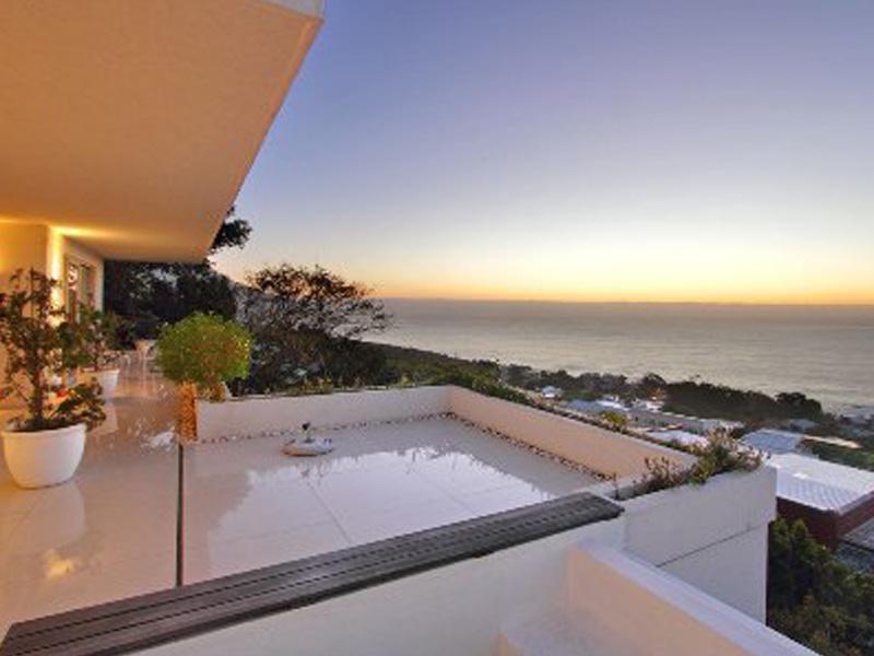 Property Of Summer Splendour - Simply Sensational!