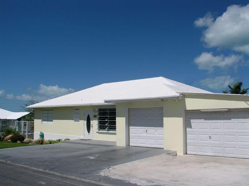 Maison unifamiliale pour l Vente à House on 28th Street Spanish Wells, Eleuthera Bahamas