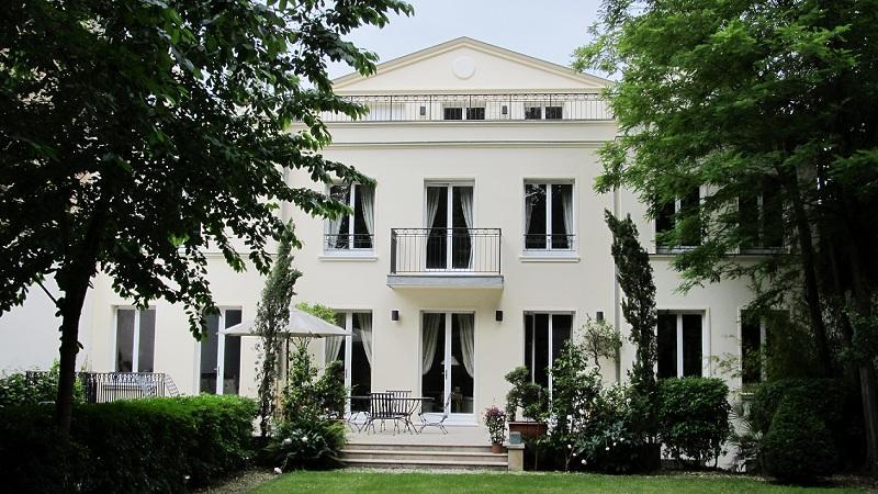 Otras residenciales por un Venta en High standard Mansion - Bois de Boulogne Paris, Paris 92200 Francia