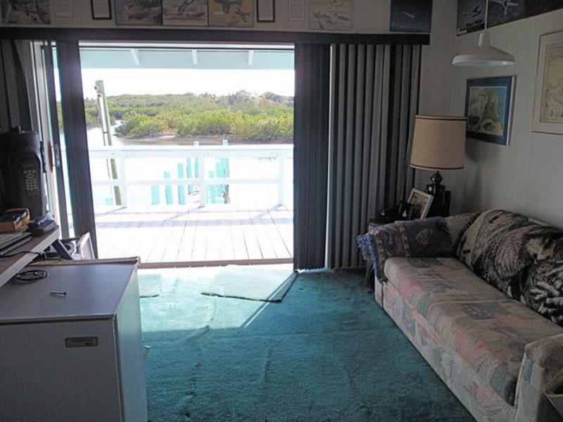 Additional photo for property listing at Boater's Dream! Living, Storage & Private Dock Spanish Wells, Eleuthera Bahamas