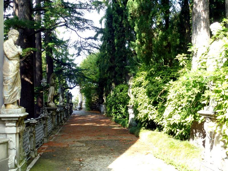 Additional photo for property listing at Prestigious period villa overlooking Lake Como Brunate Como, Como 22034 Italy