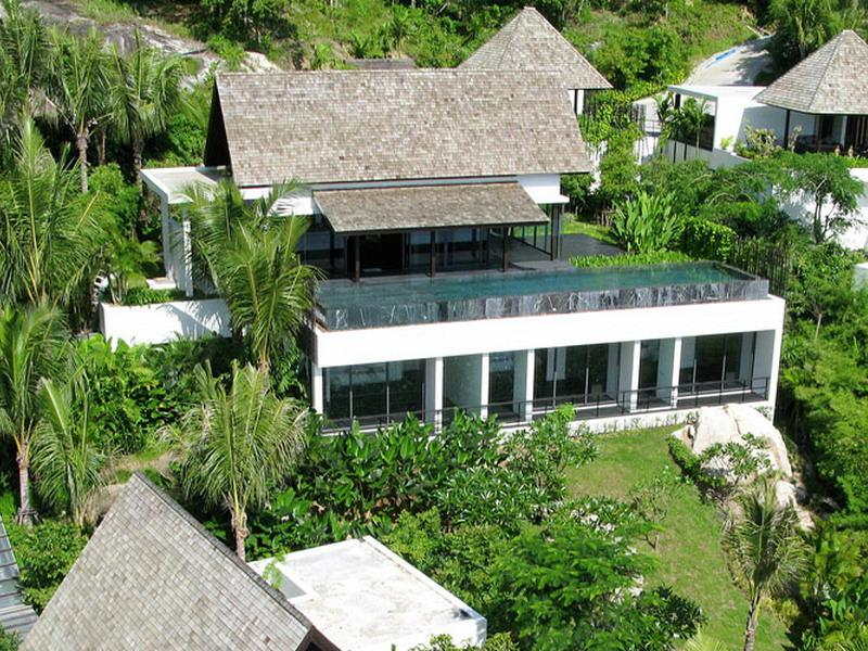 Property For Sale at Exceptional Contemporary Villa