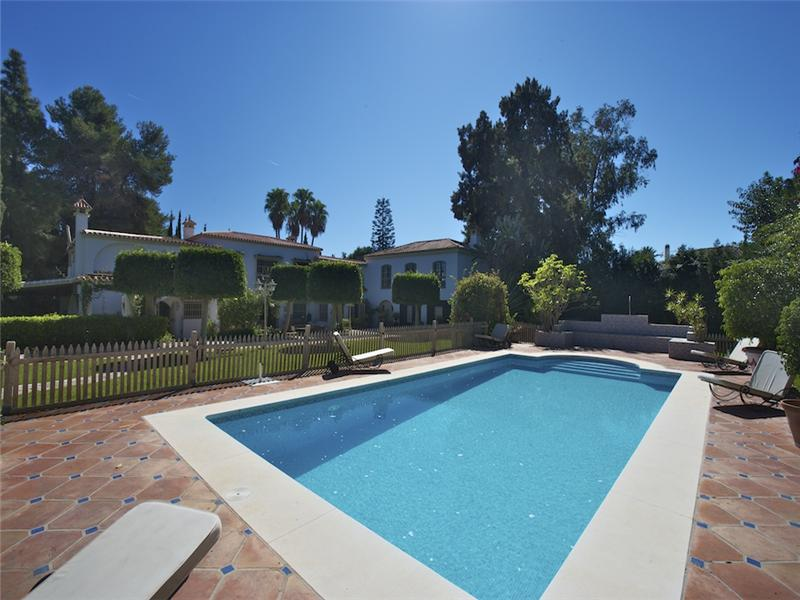 Single Family Home for Sale at Andalusian Villa in the Costa del Sol Guadalmina Baja - Costa del Sol Marbella, Costa Del Sol 29600 Spain